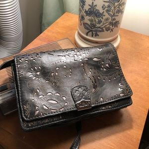 Patricia Nash crossbody black leather great detail